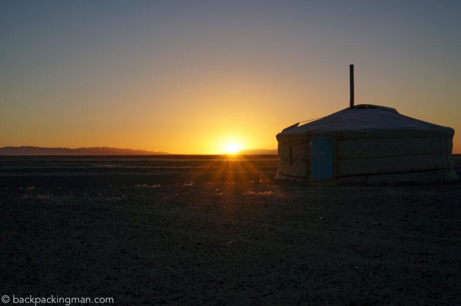 sunset-gobi-desert-mongolia-nomads