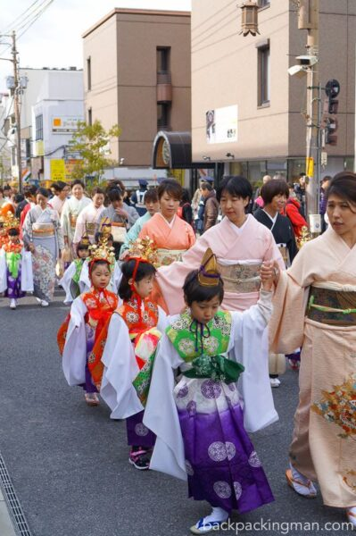 traditionally-dressed-nara-festival-japan