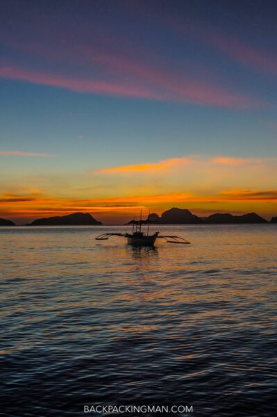 sunset-philippines-boat-palawan