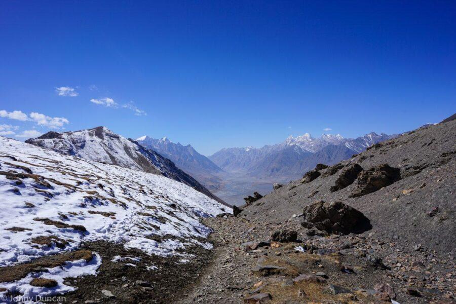 hiking-afghanistan-pamir-mountain-4