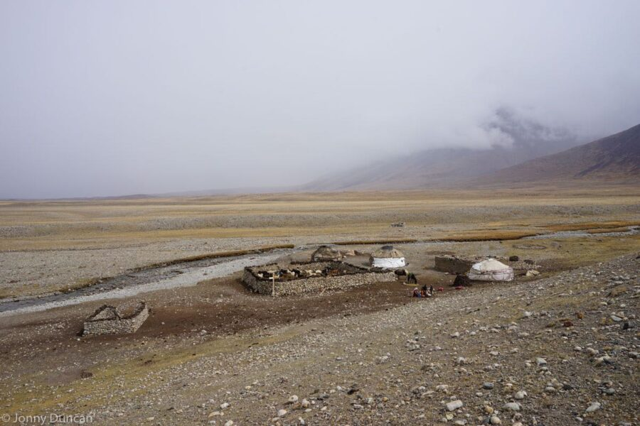 hiking-afghanistan-pamir-mountains-16