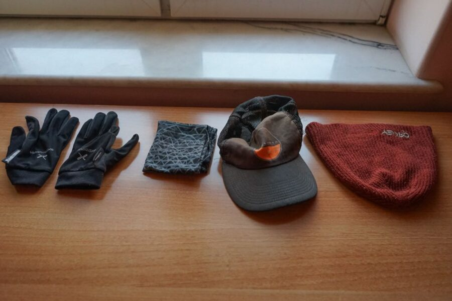 Gloves, buff, cap, beanie.