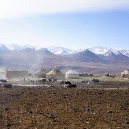 trekking afghanistan pamir