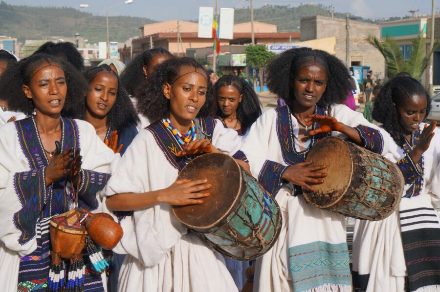 traditional dressed women mekele