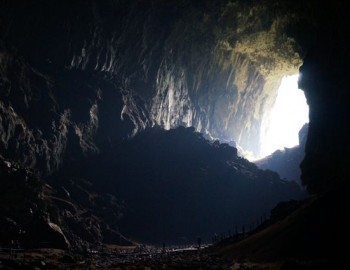 Enter Borneo's Caves - Niah - Mulu - Clearwater