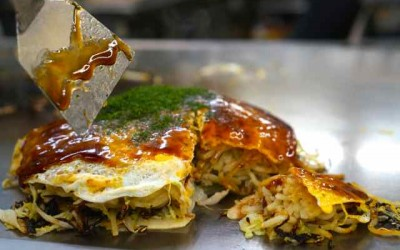 Okonomiyaki in Hiroshima (The Best of Japanese Soul Food)