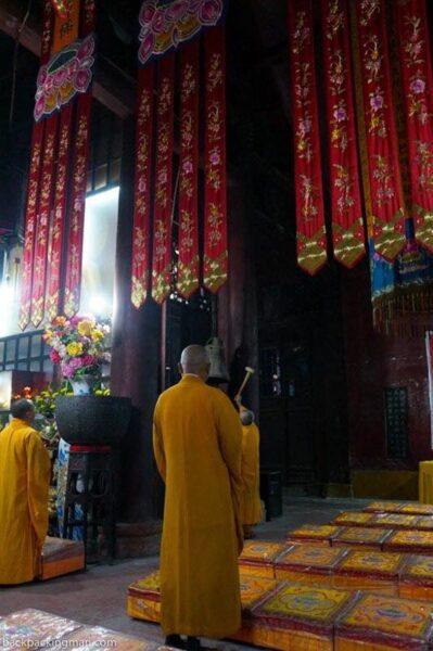 giant buddha monastery china