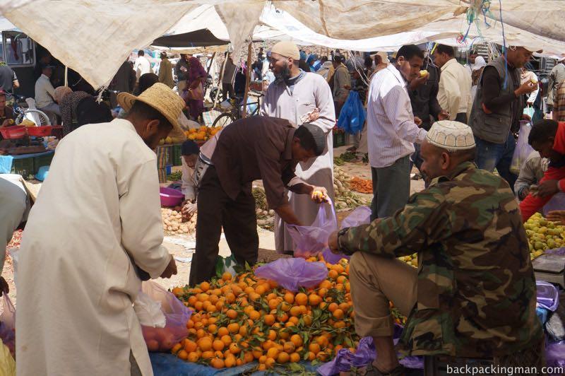 Oranges Agdz market