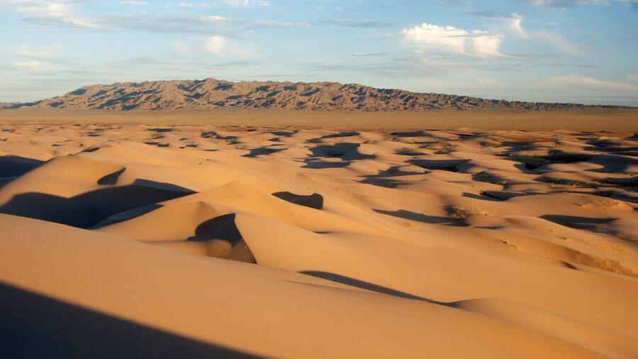 Backpacking In Mongolia The Stunning Gobi Desert