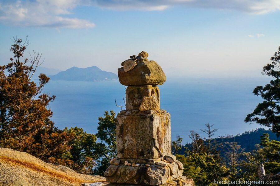 itsukushima-hiroshima-monument