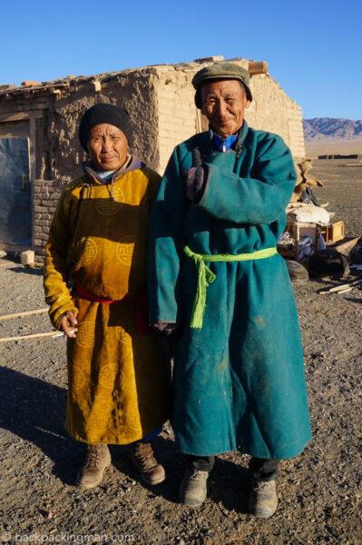 nomads-gobi-desert-mongolia