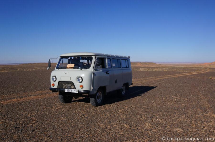 van-tour-gobi-desert