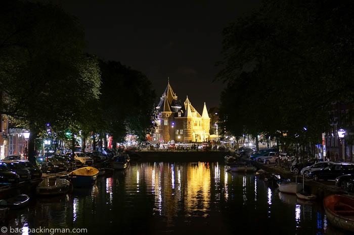 amsterdam-nieuwmarkt-at-night