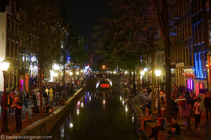 amsterdam-red-light-canal-at-night