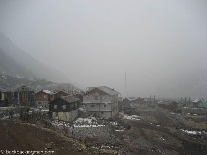 mountain-town-sikkim-himalaya