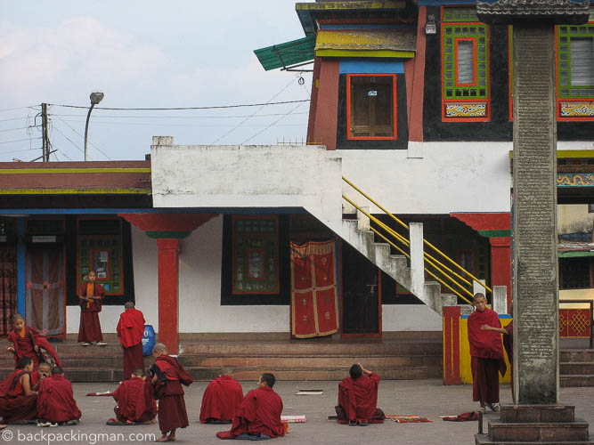 rumtek-monastery-sikkim-buddhist-monks
