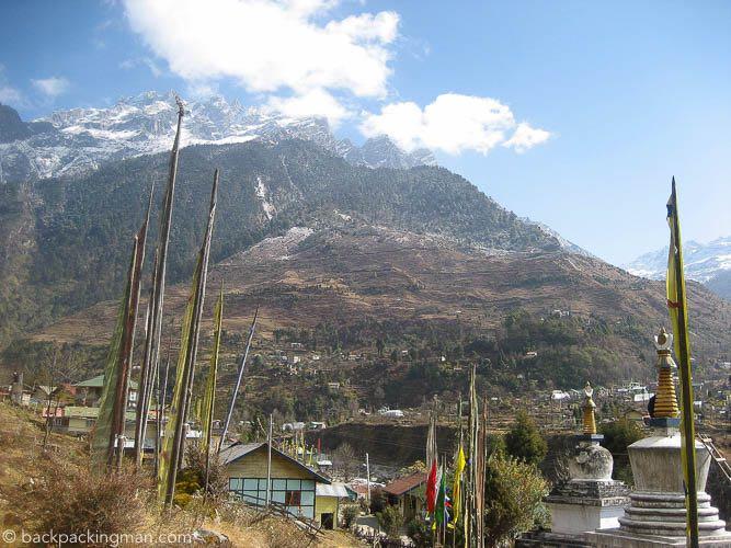 sikkim-buddhist-stupas-himalayas