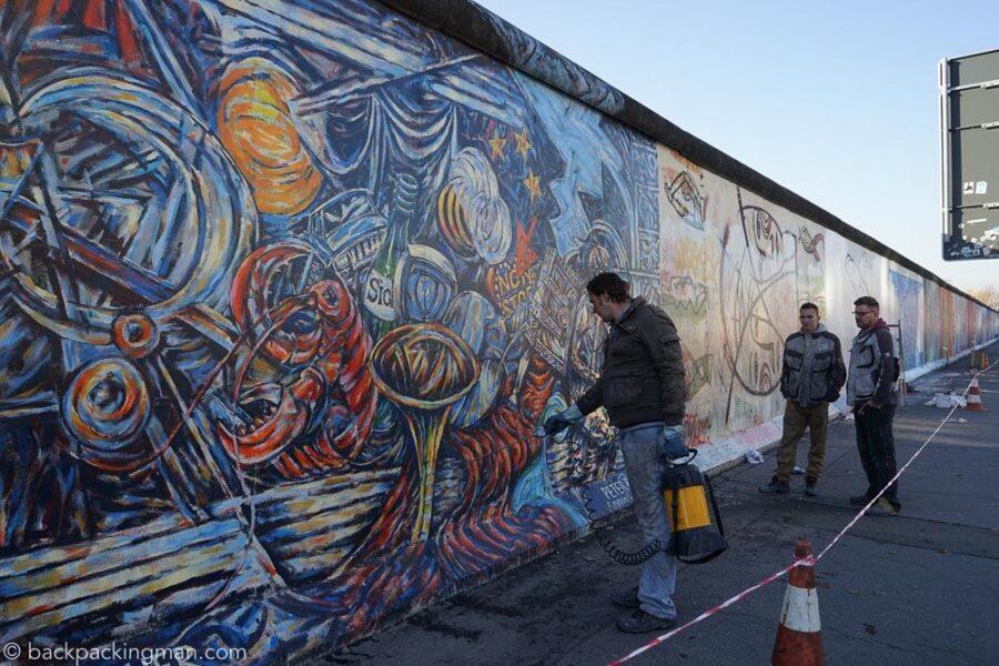 east-side-gallery-art-berlin-wall-14