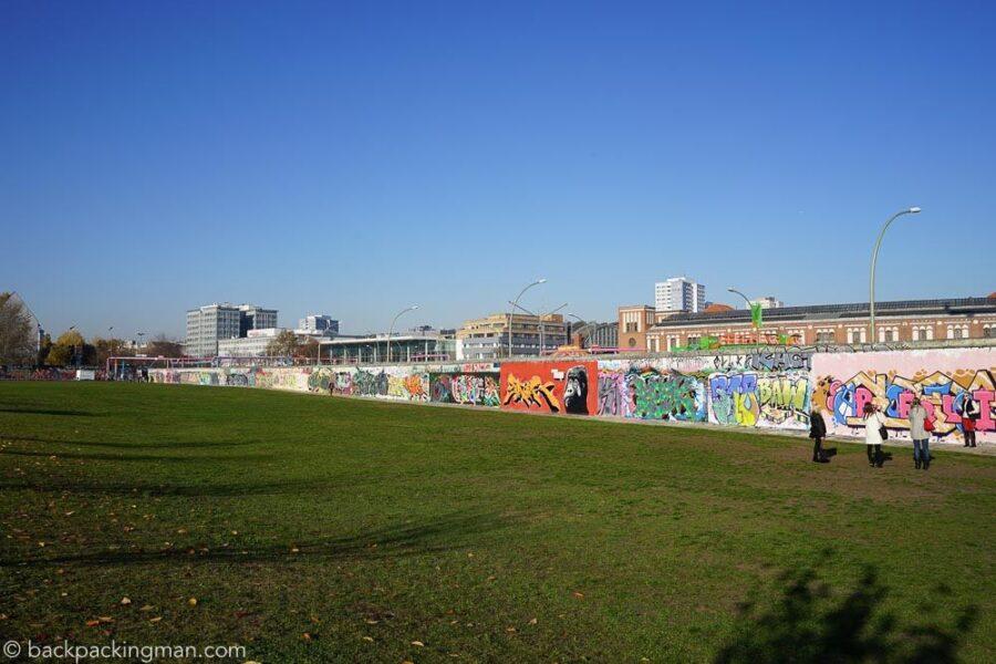 east-side-gallery-art-berlin-wall-18