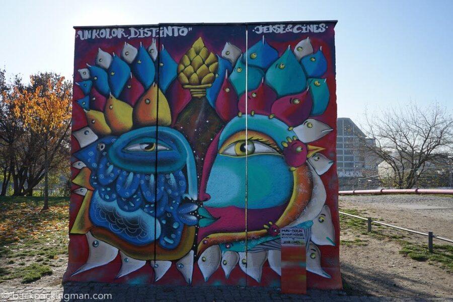 east-side-gallery-art-berlin-wall-19