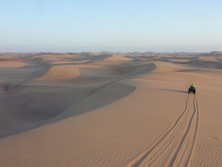 quad-biking-namibia-sand-dunes-desert