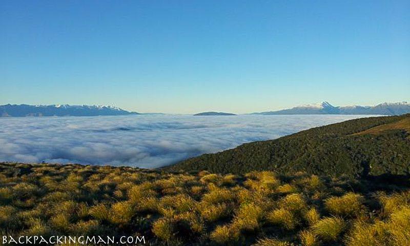 hiking-kepler-track-new-zealand-autumn