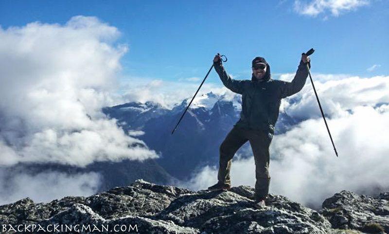 hiking-routeburn-track-new-zealand-autumn