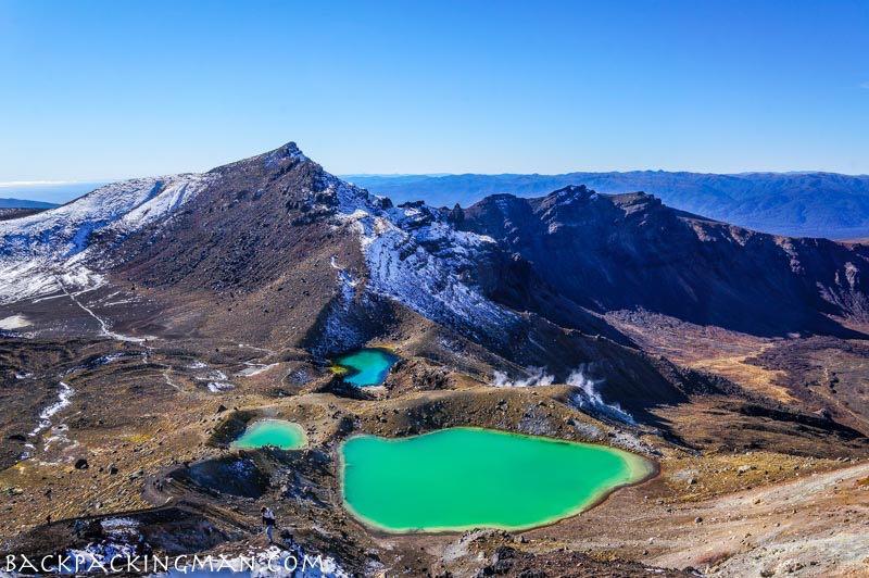 hiking-tongariro-new-zealand-1