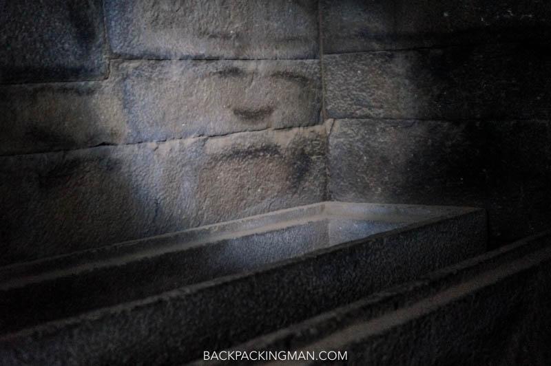 axum-tombs