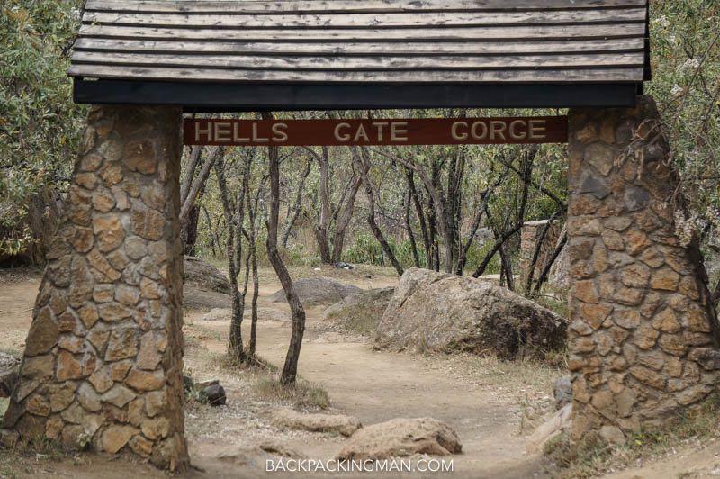 hiking hells gate