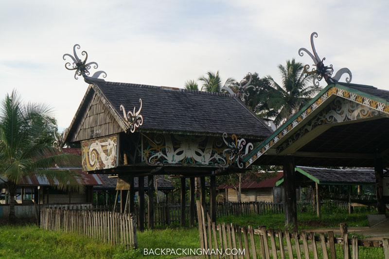 borneo-longhouse