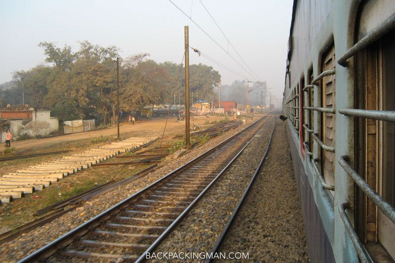 india-train-travel