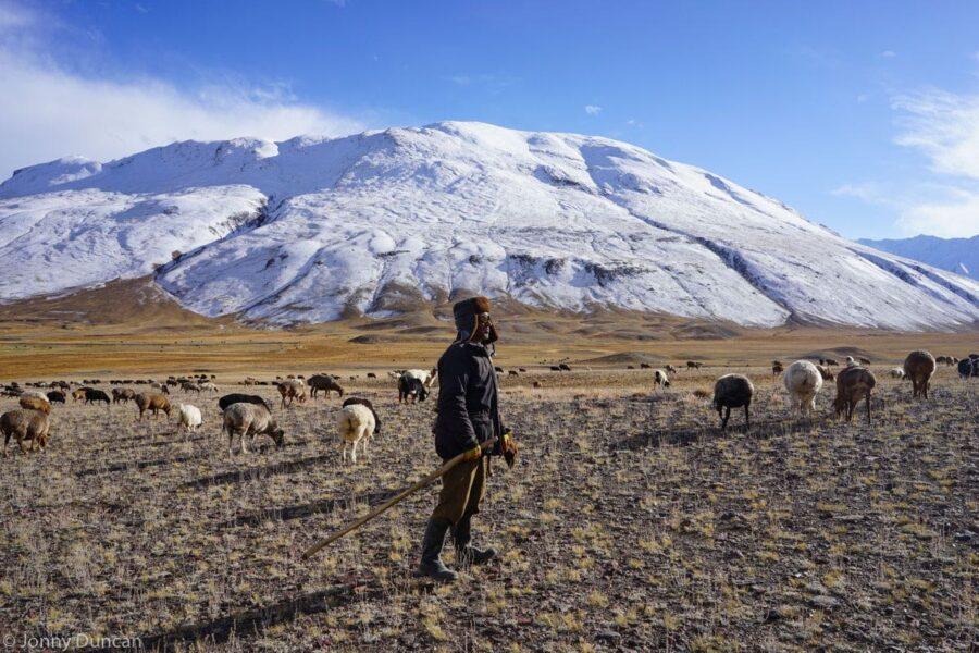 hiking-afghanistan-pamir-mountains-10