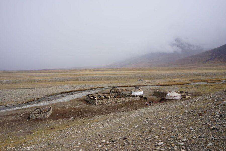 hiking-afghanistan-pamir-mountains-16