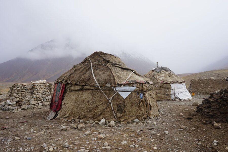 hiking-afghanistan-pamir-mountains-17