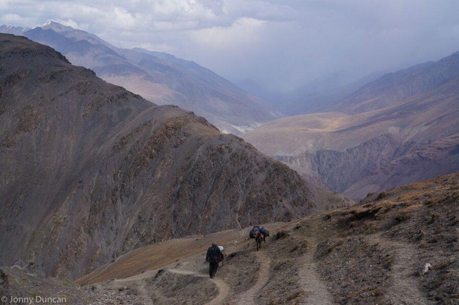 trekking-afghanistan-pamir-mountains-1