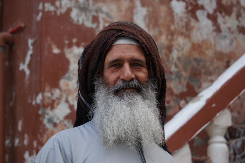 omani man travl oman