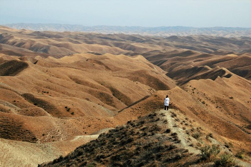 cheapest backpacking destinations asia iran