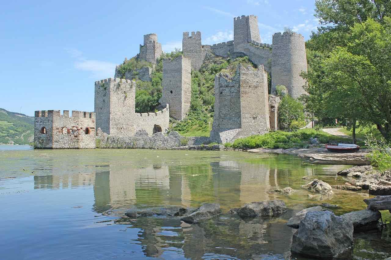 serbia castle