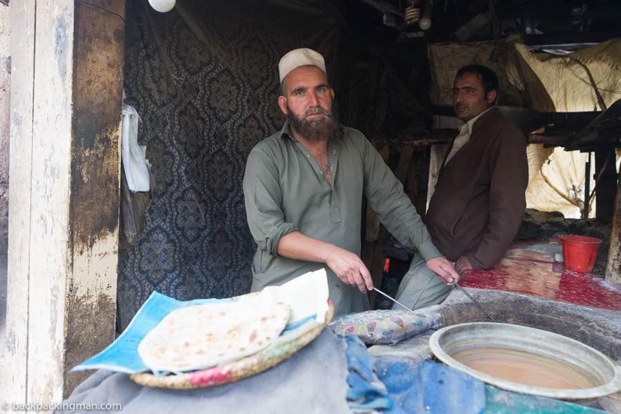 naan cooking pakistan