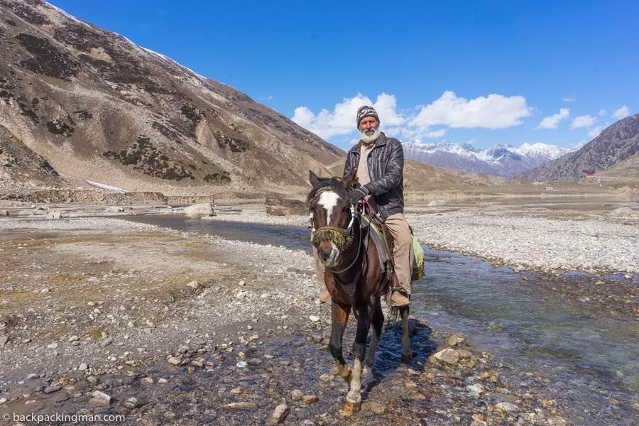 horse ride lake Saiful Muluk