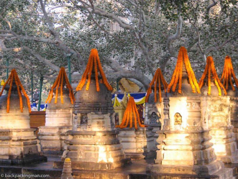 buddhist stupa bodh gaya