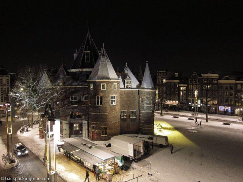 Nieuwmarkt winter Amsterdam