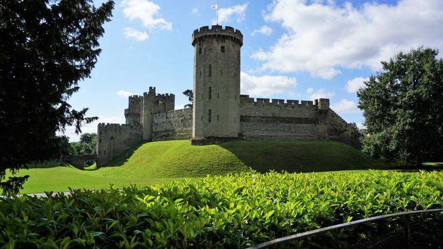 Warwick Castle day trips from London