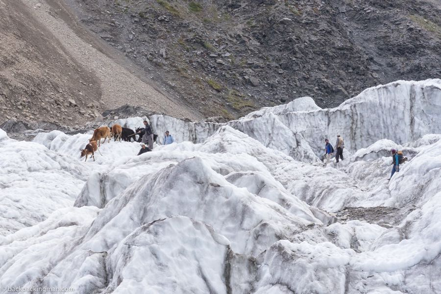 trekking Passu Glacier