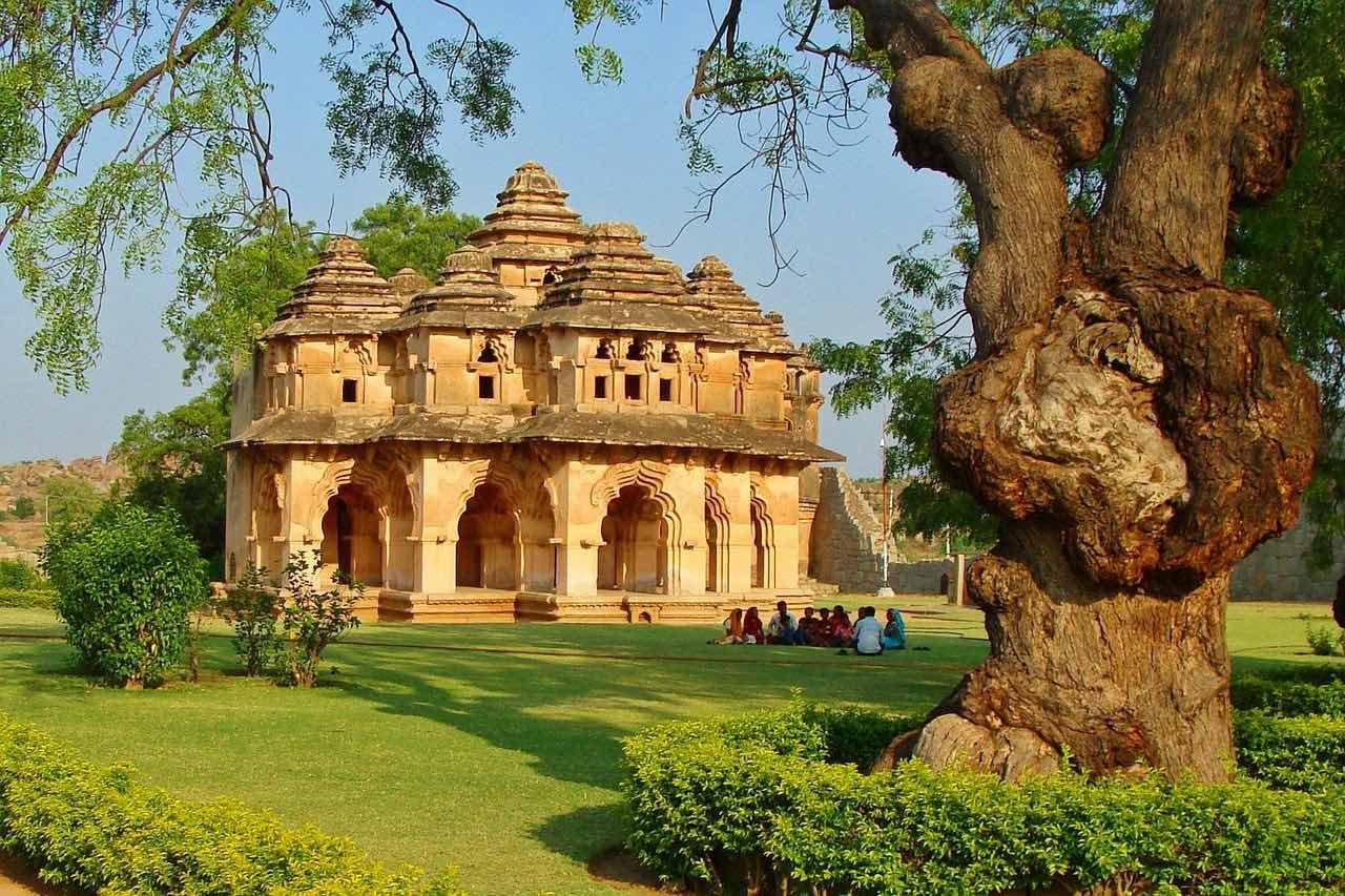 places to visit near Bangalore Hampi
