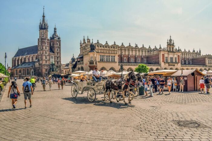 the best things to do in Krakow - Krakow market square