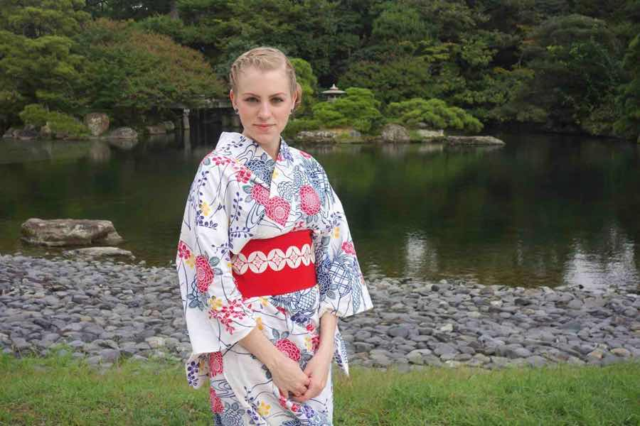 living in Japan as a foreigner American woman